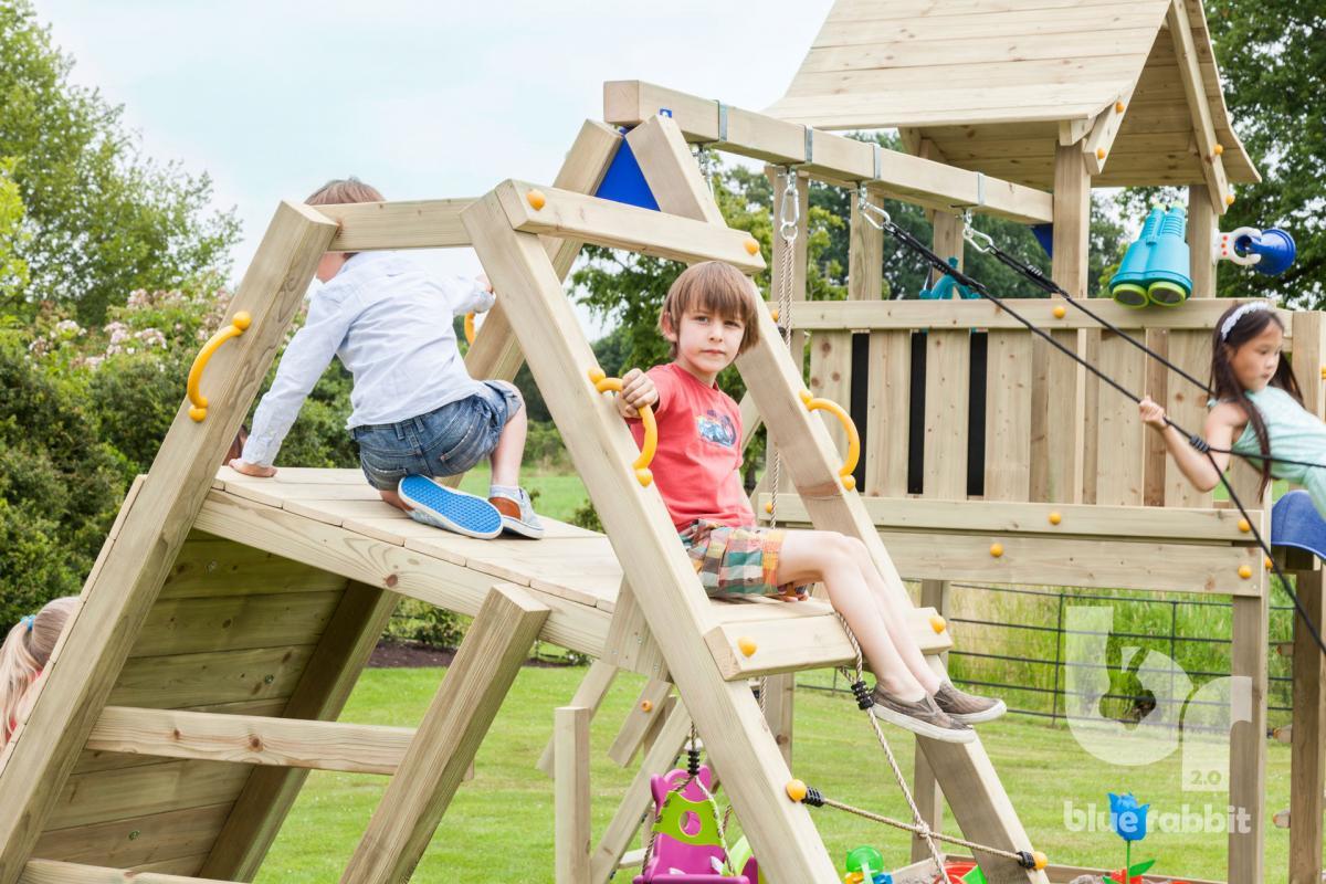 wooden Blue Rabbit 2.0 climbing module @challenger swing with boys on platform